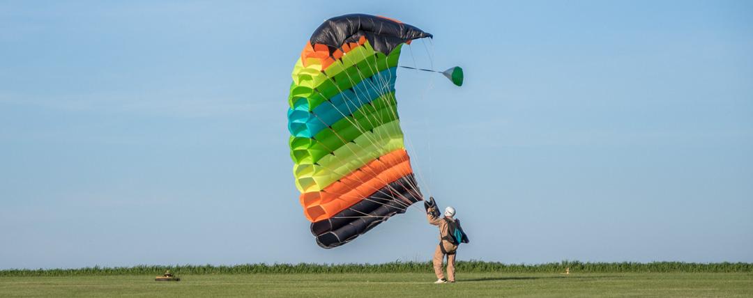 skydive ricks parachute landing
